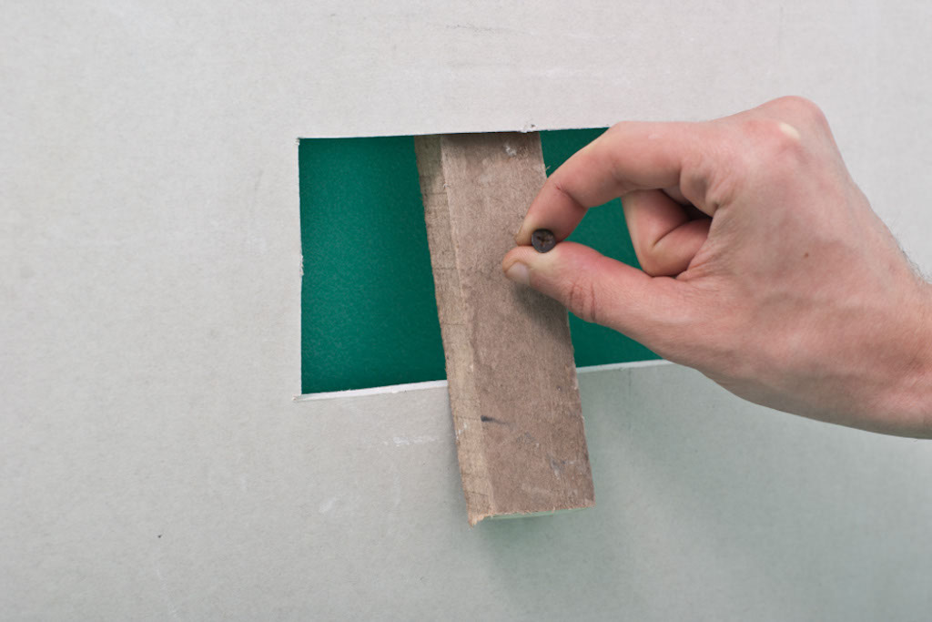 Installing the support backing