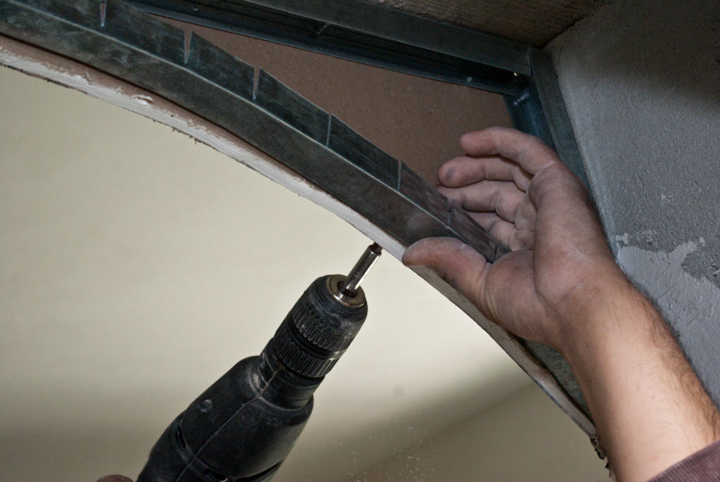 How to bend metal studs