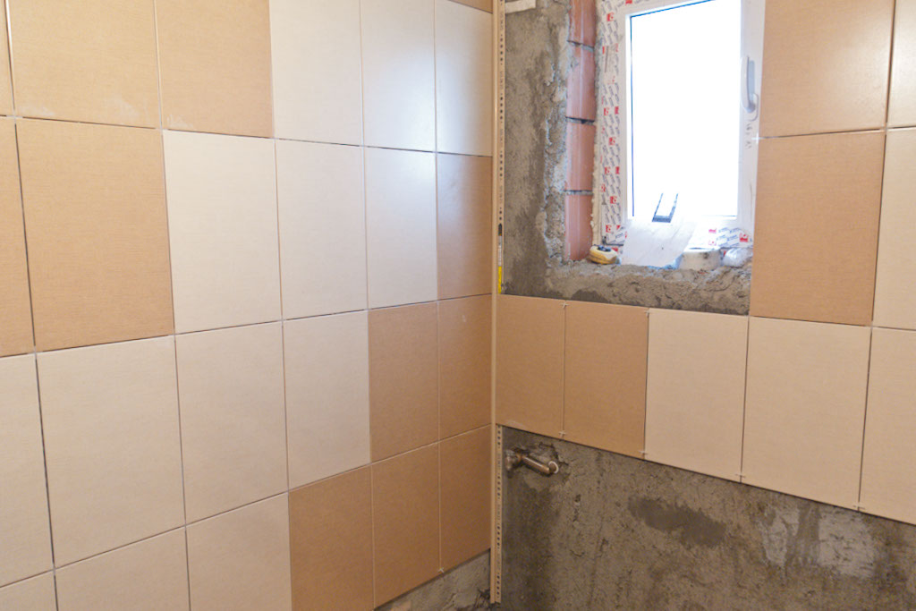 How to tile inside corners