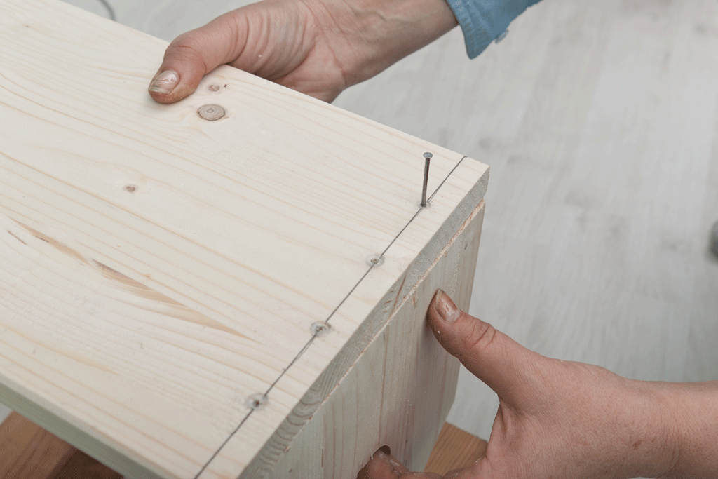 Attaching the bottom plate