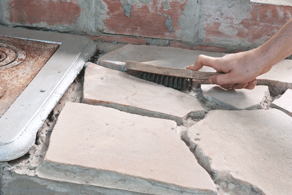 Cleaning the gaps between the stone