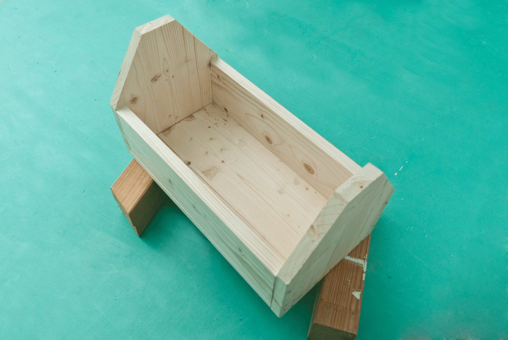 Building a wooden toolbox