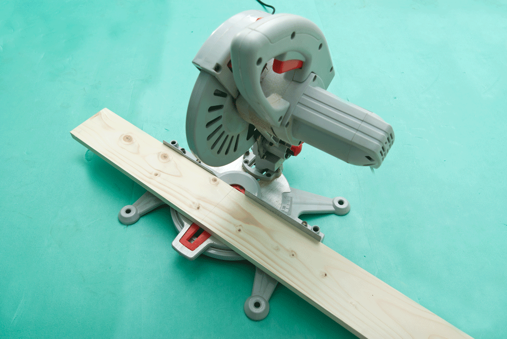 Cutting the components with a mite saw