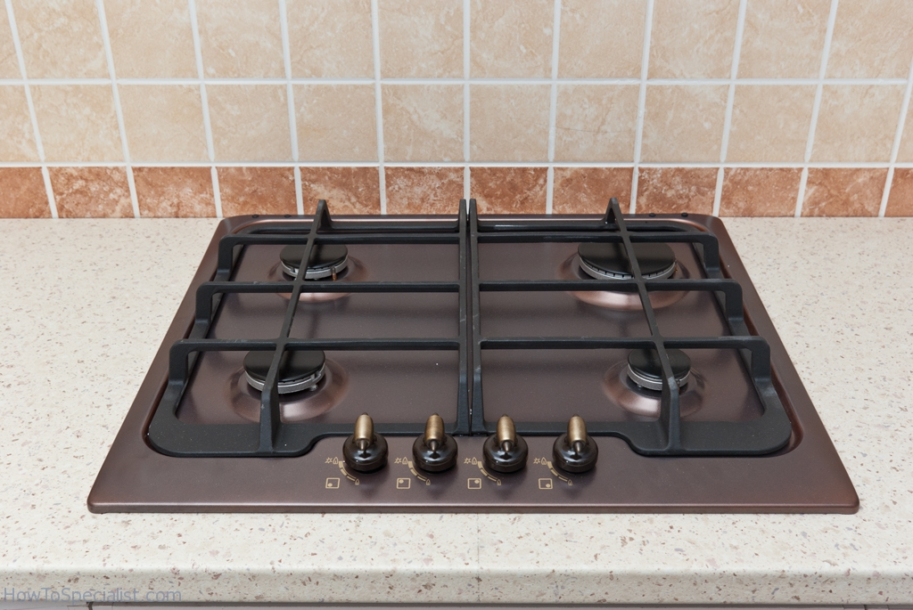 Fitting a gas hob in the countertop