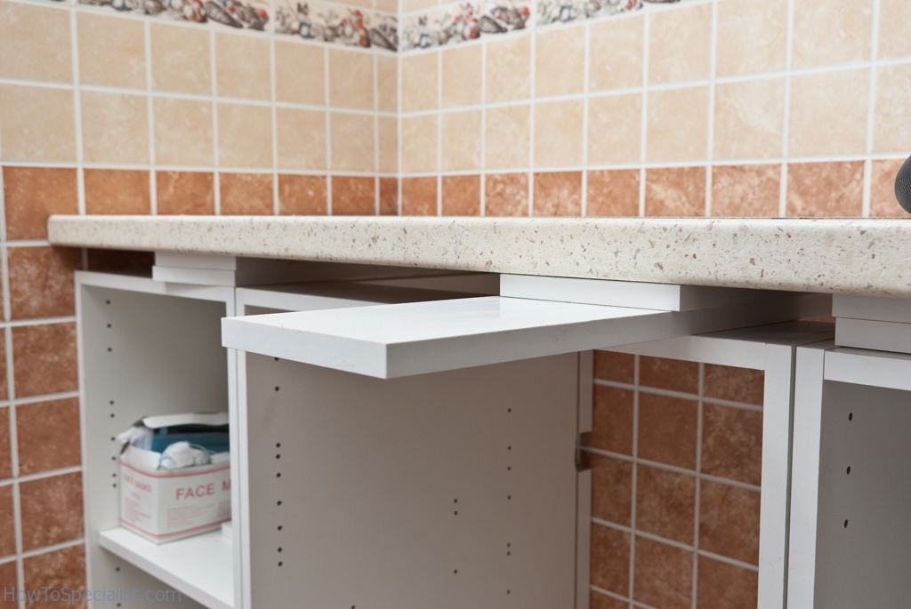 Installing spacers under the countertop