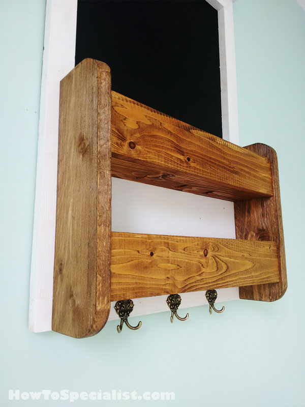 How To Build An Chalkboard With Shelves And Key Holder