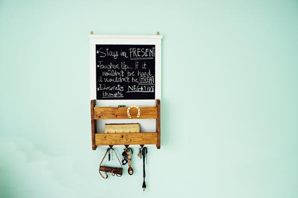 DIY-Chalkboard-with-Shelves