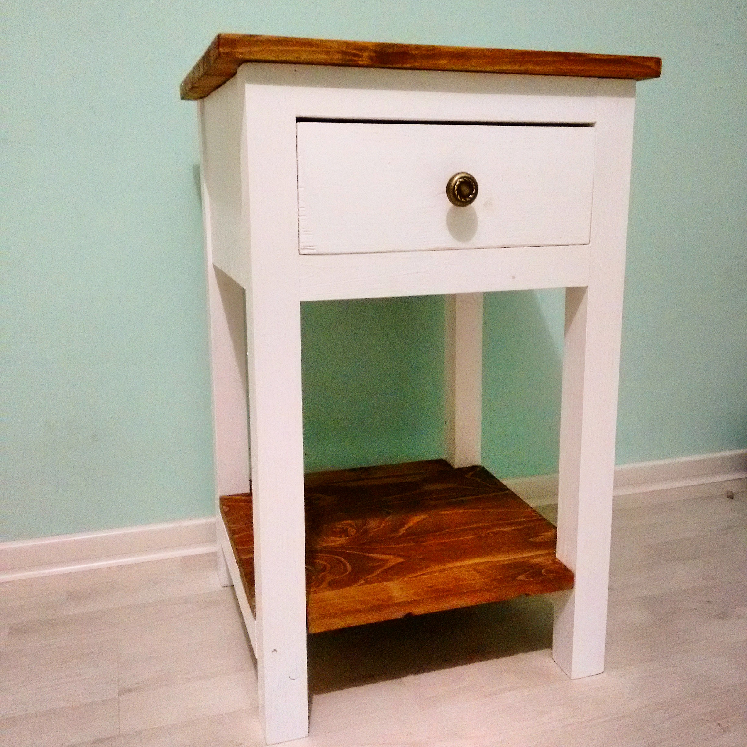 How to build a farmhouse nightstand howtospecialist for Simple nightstand designs