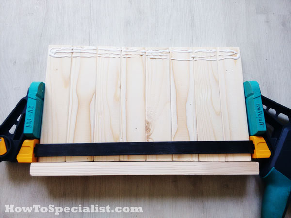 Adding-glue-to-the-headboards