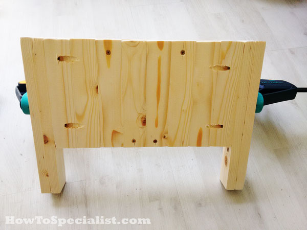 Attaching-the-legs-to-the-headboard