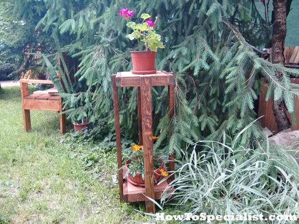 How-to-build-a-tiered-plant-stand-with-tile-top