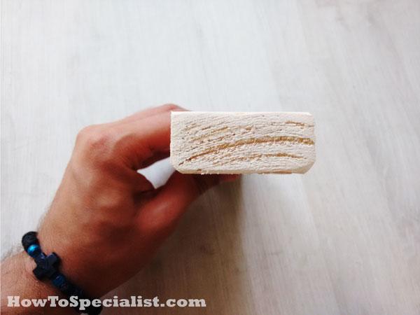 Sanding-the-edges-of-the-panel-slats