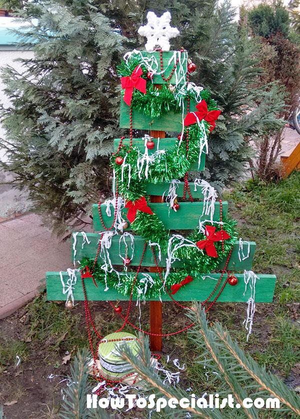 Building a wood Christmas tree