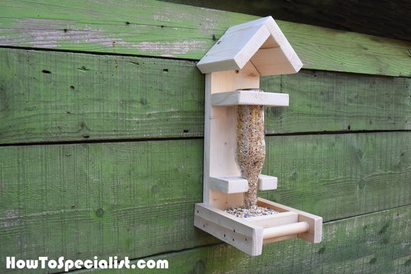 How-to-build-a-bottle-bird-feeder
