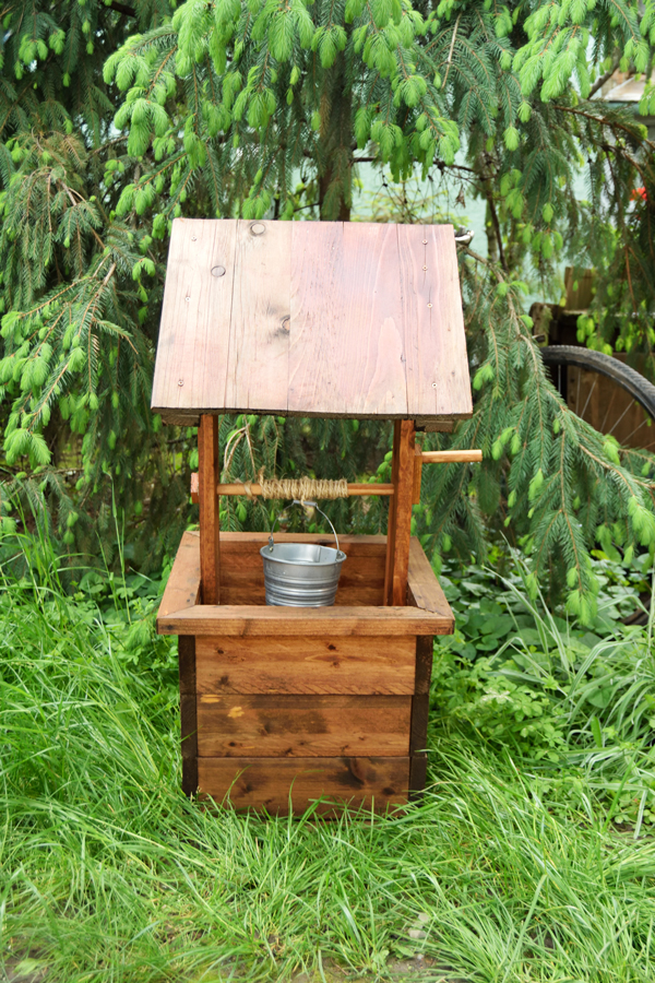... Planter likewise Wood Craft Plans furthermore Wishing well plans