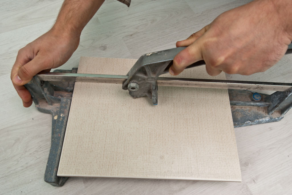 How To Cut Ceramic Tile Howtospecialist How To Build Step By